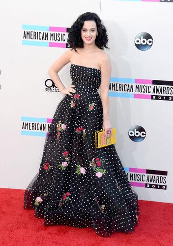 Katy Perry stunning ball gown by Oscar de la Renta
