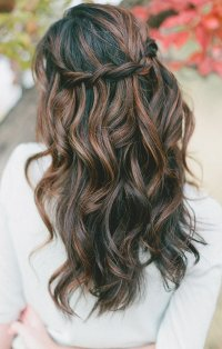 wavy prom hairstyle for long hair