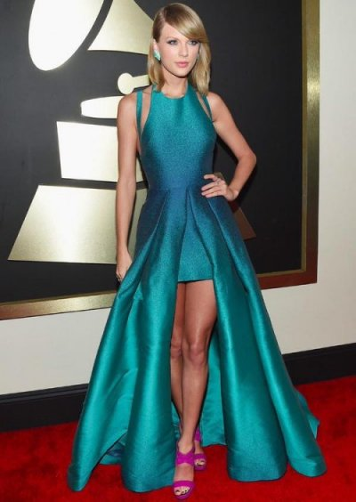 taylor-swift elegant high low turquoise gown grammy 2015