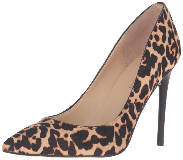 Ivanka Trump leopard print prom pumps
