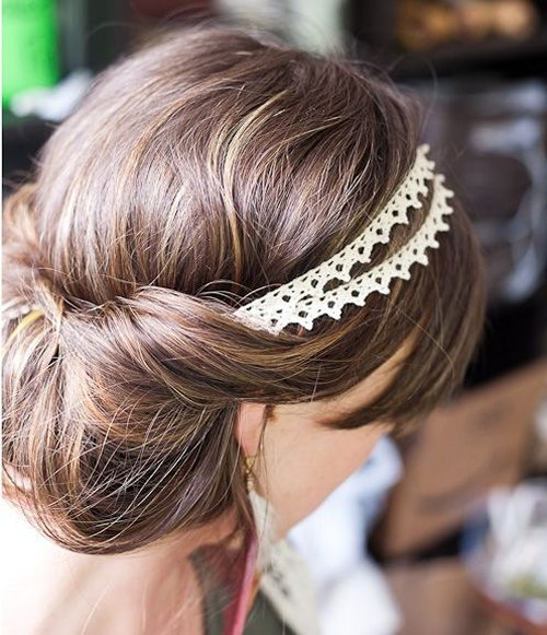 Pretty And Simple Prom Hairstyle Ideas